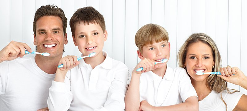 family-brushing-teeth